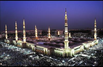 Masjid Nabawi in Medina, Saudi Arabia