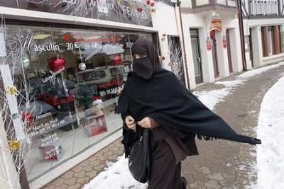 Penalty For Wearing Perfume Amongst Public (For Women)